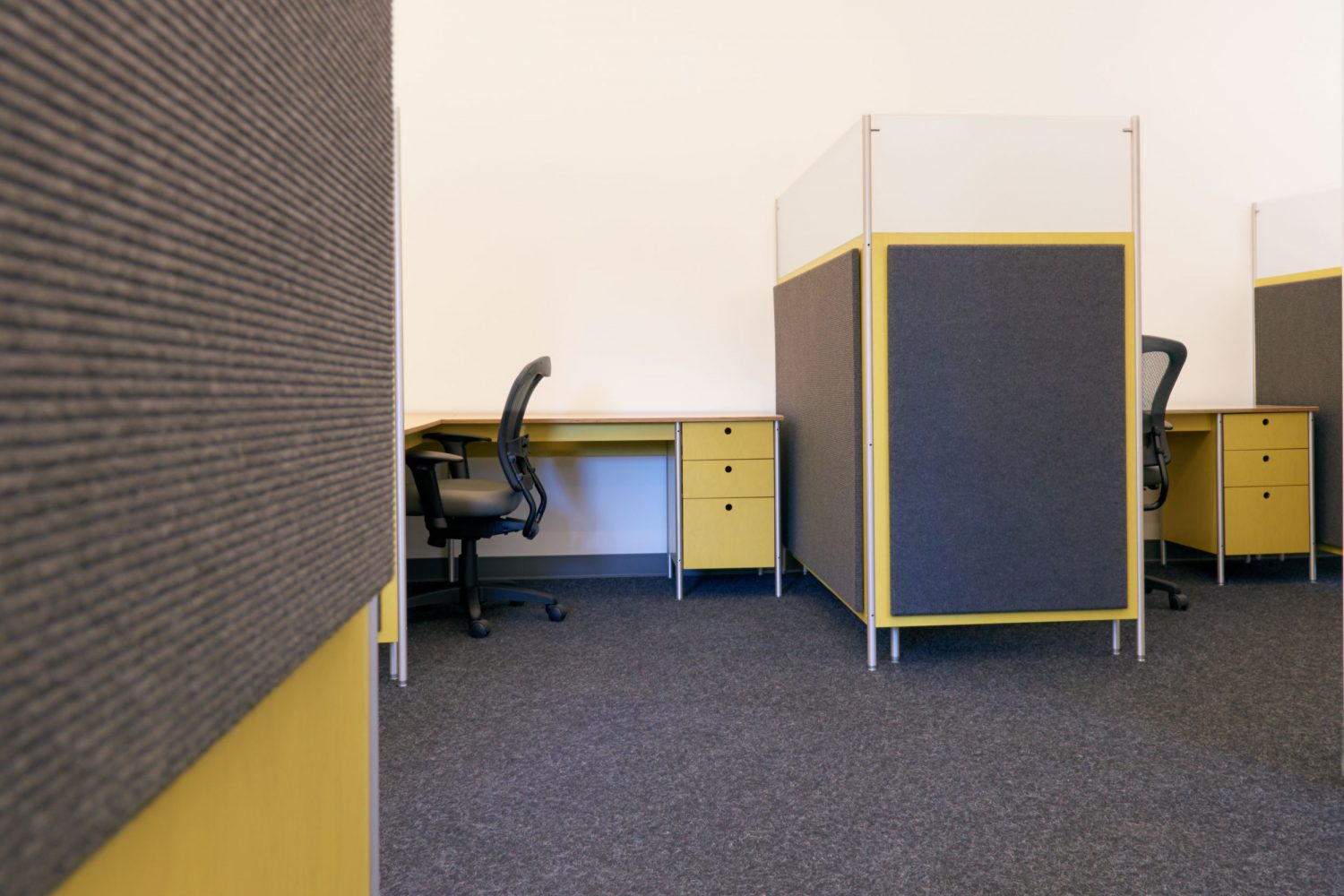 workstations with partition office furniture